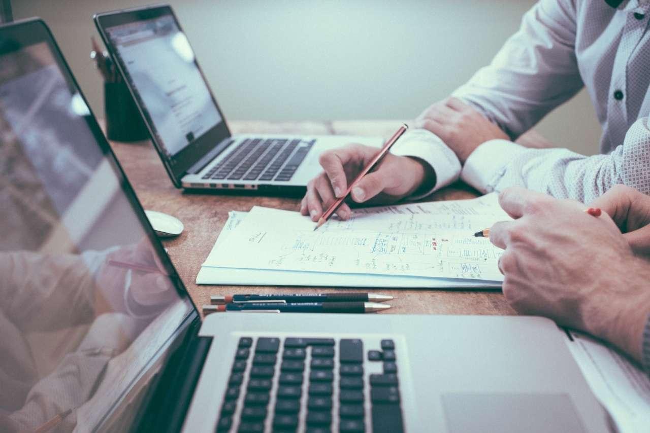 Ecrire une feuille de route pour organiser son webinar est primordial