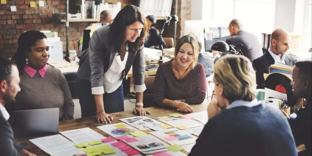 Pour réussir votre stratégie Inbound, il vous faut lier équipe commerciale et marketing.